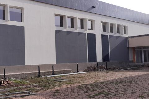 Renovare fațade clădire showroom 3000 mp